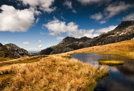 Alpine Hike Mt Owen tarn
